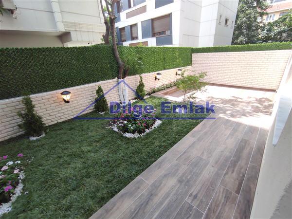 Suadiye Satılık Daire Bağdat Caddesine Yakın 2+1 Özel Dekorlu Bahçe Kullanımlı