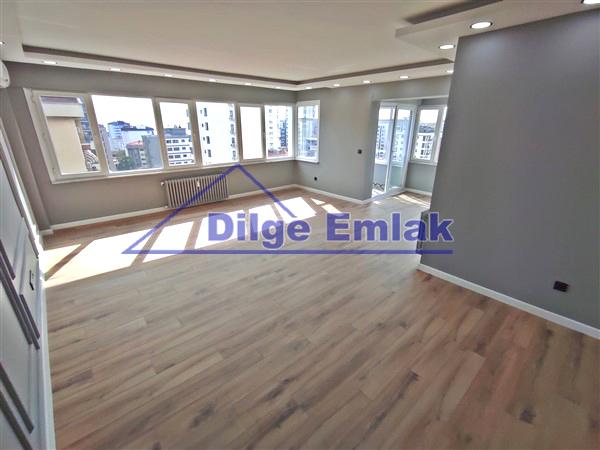 Göztepe Bağdat Caddesi… 3+1 Balkonlu Lüks Dekorasyonlu Satılık Daire