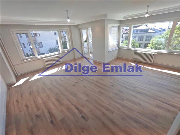 Kızıltoprak Bağdat Caddesi… 3+1 Balkonlu Özel Dekorlu Lüks Satılık Daire